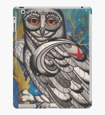 snowy owl with red star iPad Case/Skin