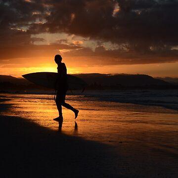 surf Byron Bay by chaneyforkriver