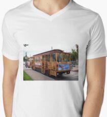 San Francisco Cable Car Men's V-Neck T-Shirt