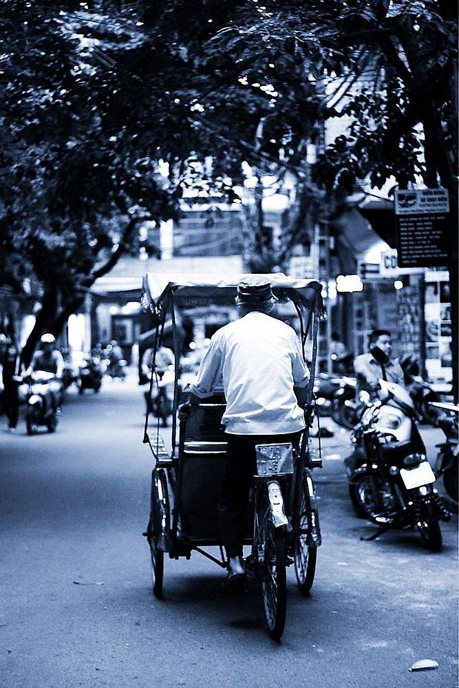 Tuk tuk in Hanoi, Vietnam by bouche