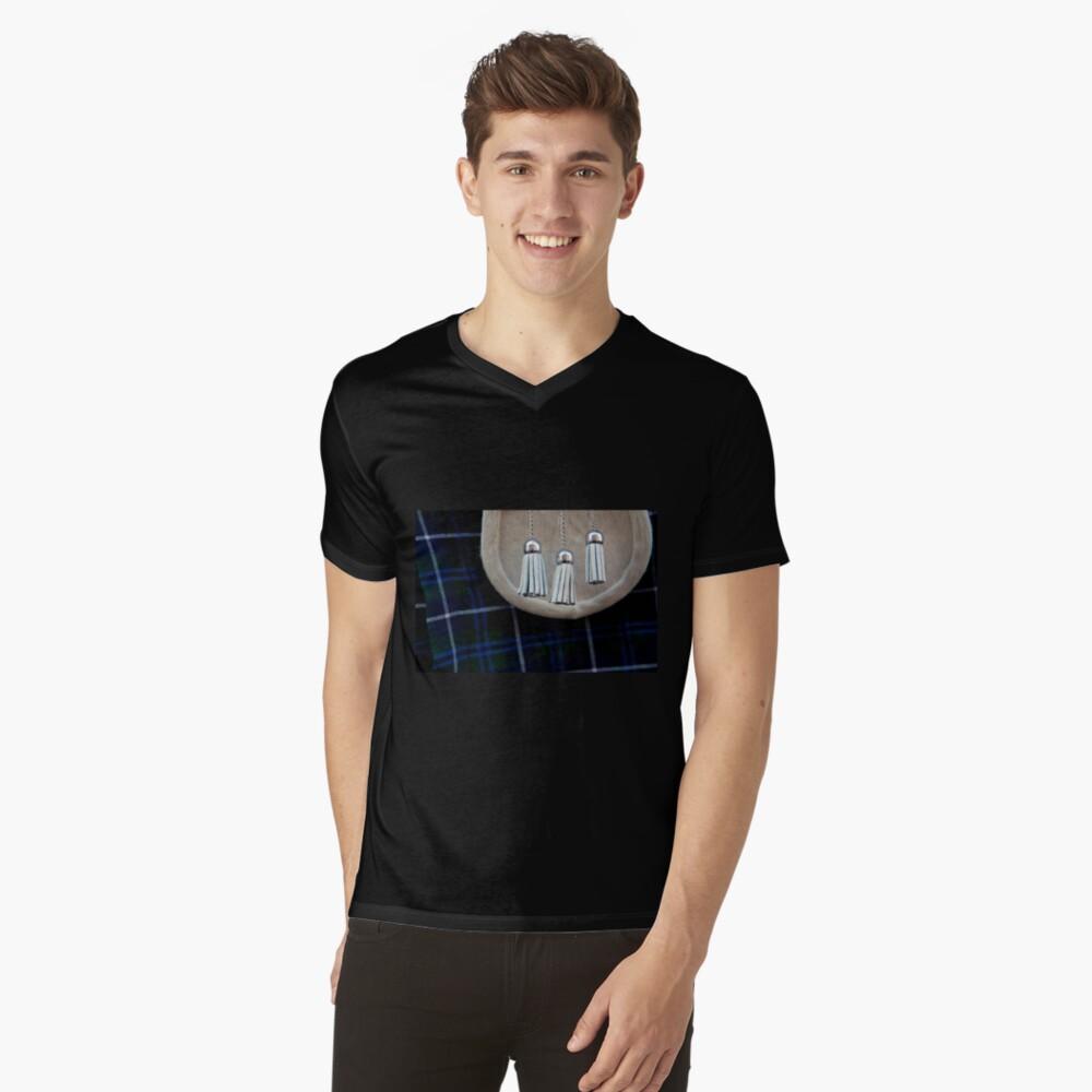 Sporran V-Neck T-Shirt