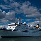 Spirit Of Adventure, Dartmouth, England by fg-ottico