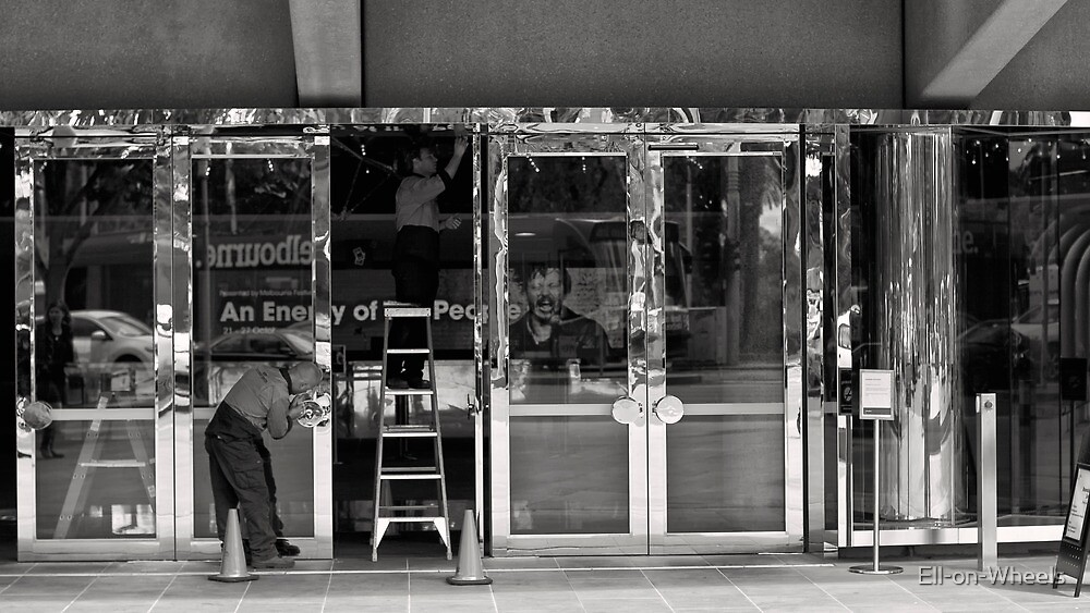 Art Center BLING! by Ell-on-Wheels
