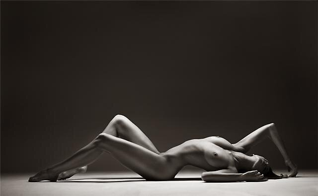 nude - art by MariaE