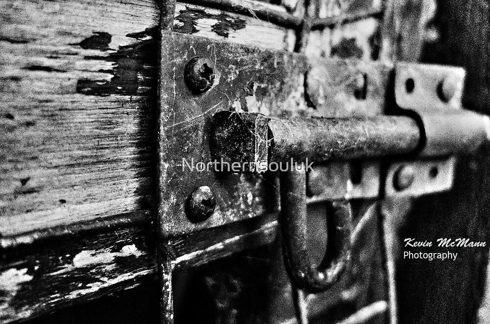 Rusty Lock by Northernsouluk