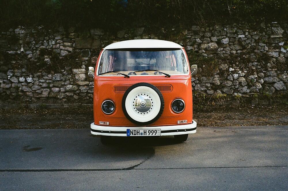 Hippy Bus by nikduke