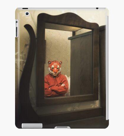 He Waits Silently  iPad Case/Skin