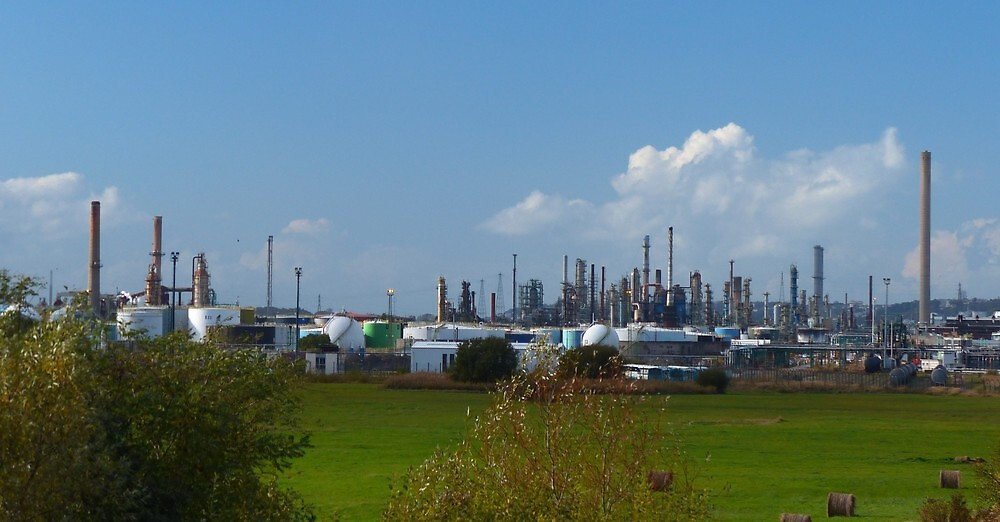 the oil refinery by supergold
