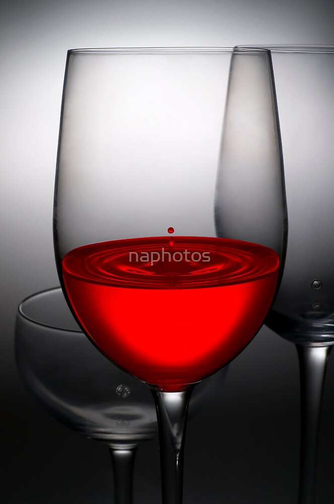red wine by naphotos