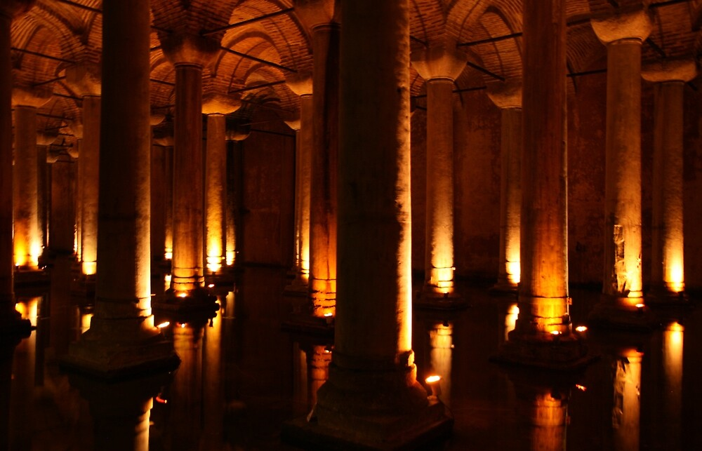 Basilica cistern, Istanbul by Michelle Thomson