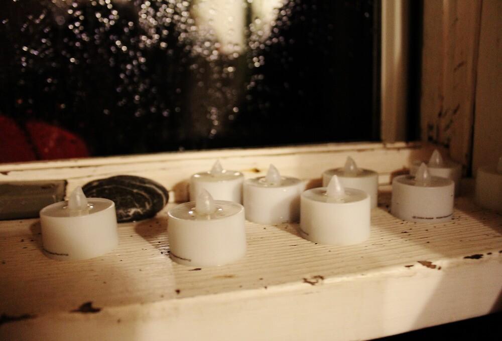 Candlelit Rainstorm by conformebelle