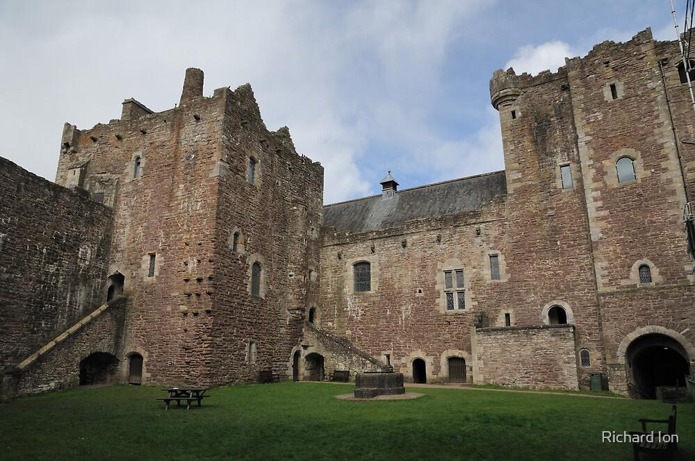 Doune Castle by Richard Ion