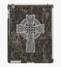 Celtic Cross in white iPad Case/Skin