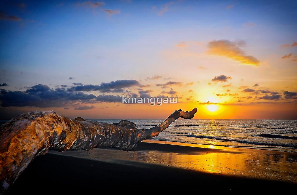 Pointed Sun, Penarukan Beach by kmanggaw