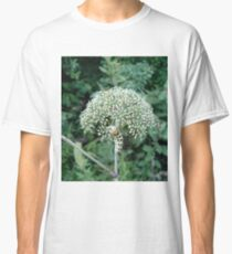 THE FLOWER EATER Classic T-Shirt