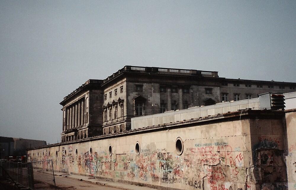 The Berlin Wall, 1991  by shawntking