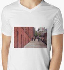 San Francisco Street Scene Men's V-Neck T-Shirt