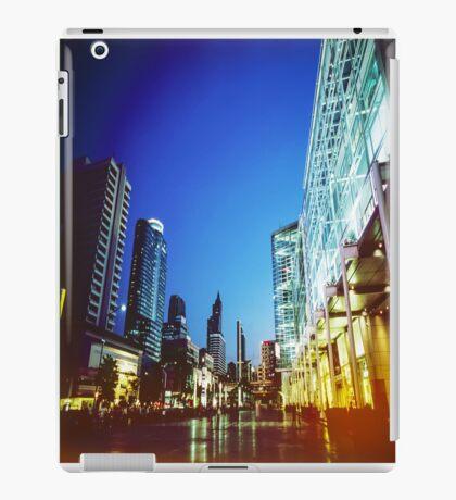 Bangkok city in twilight iPad Case/Skin