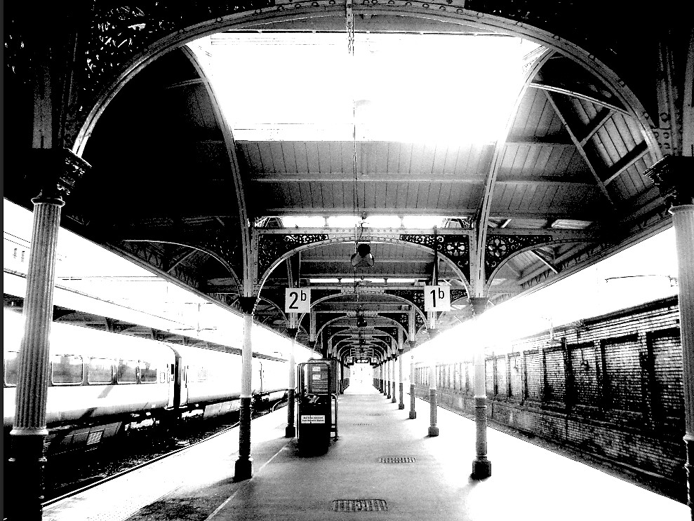 Norwich Trainstation by Plonka