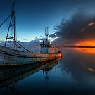 The Guiding Light by manateevoyager