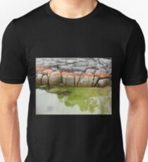Binalong Bay Rocks, Tasmania, Australia. T-Shirt