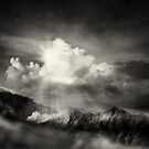 dramatic mountain view by naphotos