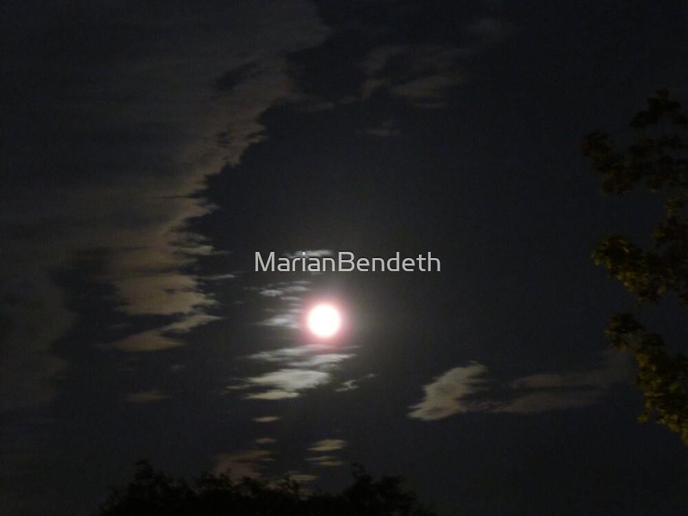 Shining bright by MarianBendeth
