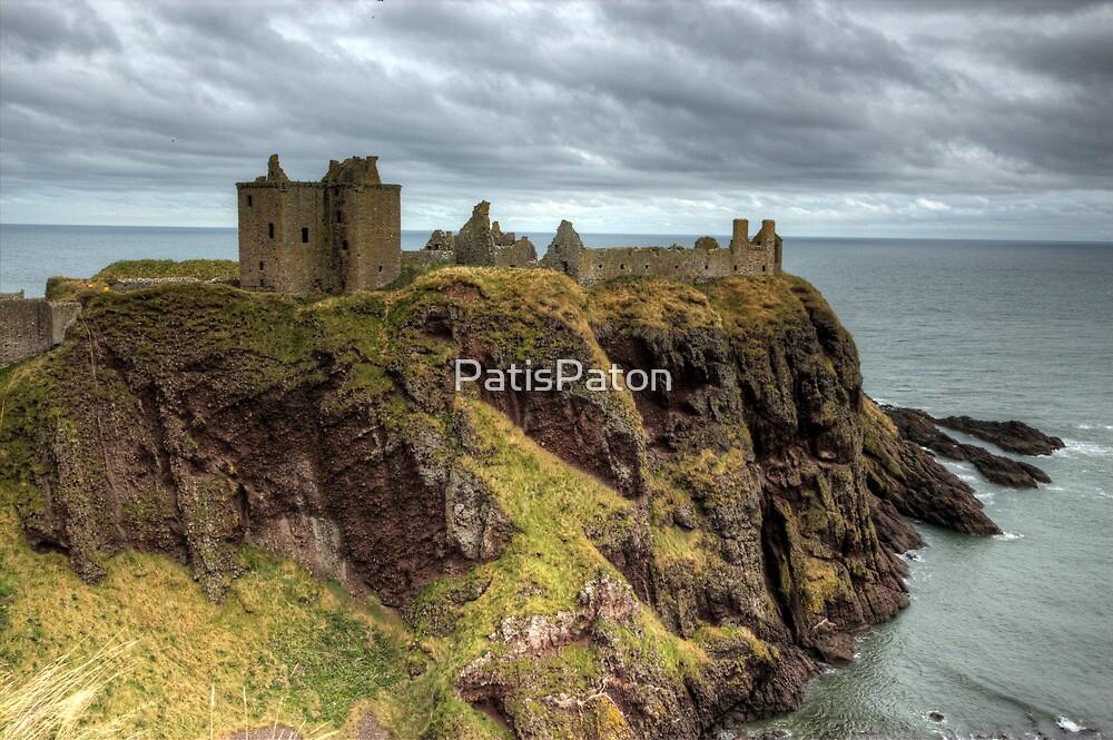 Dunnottar castle by PatisPaton