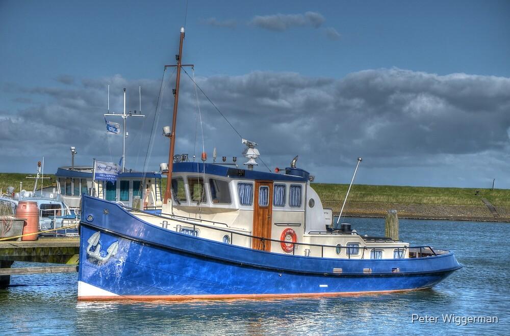Fishing boat by Peter Wiggerman