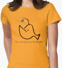 Ceci n'est pas une hanklerfish Women's Fitted T-Shirt