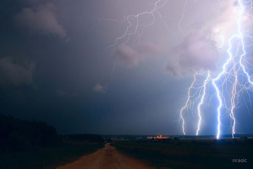 Lightning over the field by nrasic