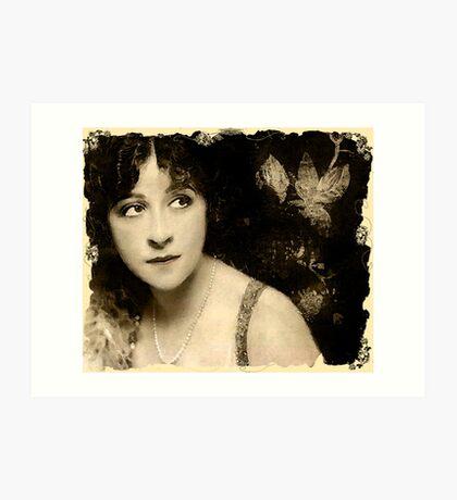The Girl From Yesterday (music link) Kunstdruck