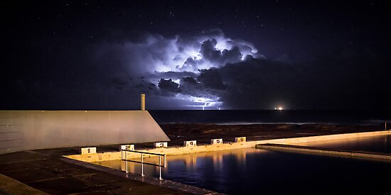 Incoming Storm, Newcastle Ocean Baths by 4thdayimages