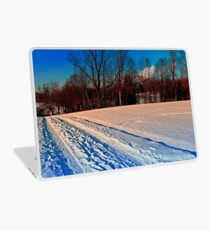 Traces on a winter hiking trail Laptop Skin