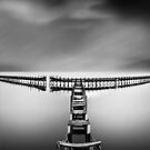 broken pier by vtango