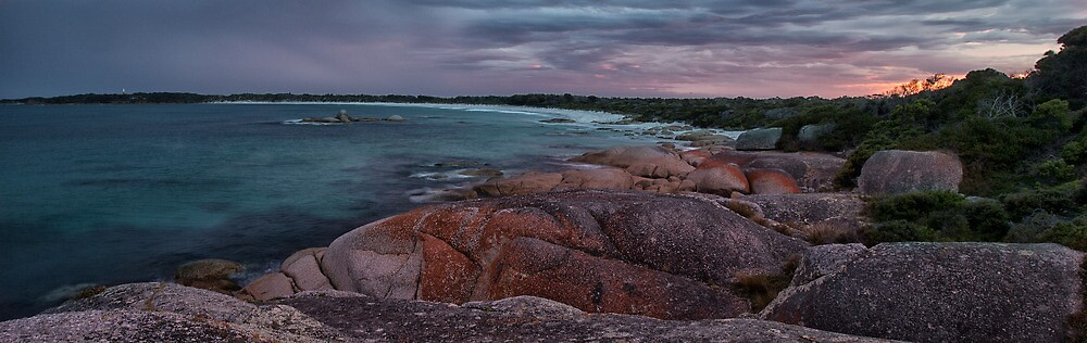Bay of Fires, Tasmania by Richard Cowling
