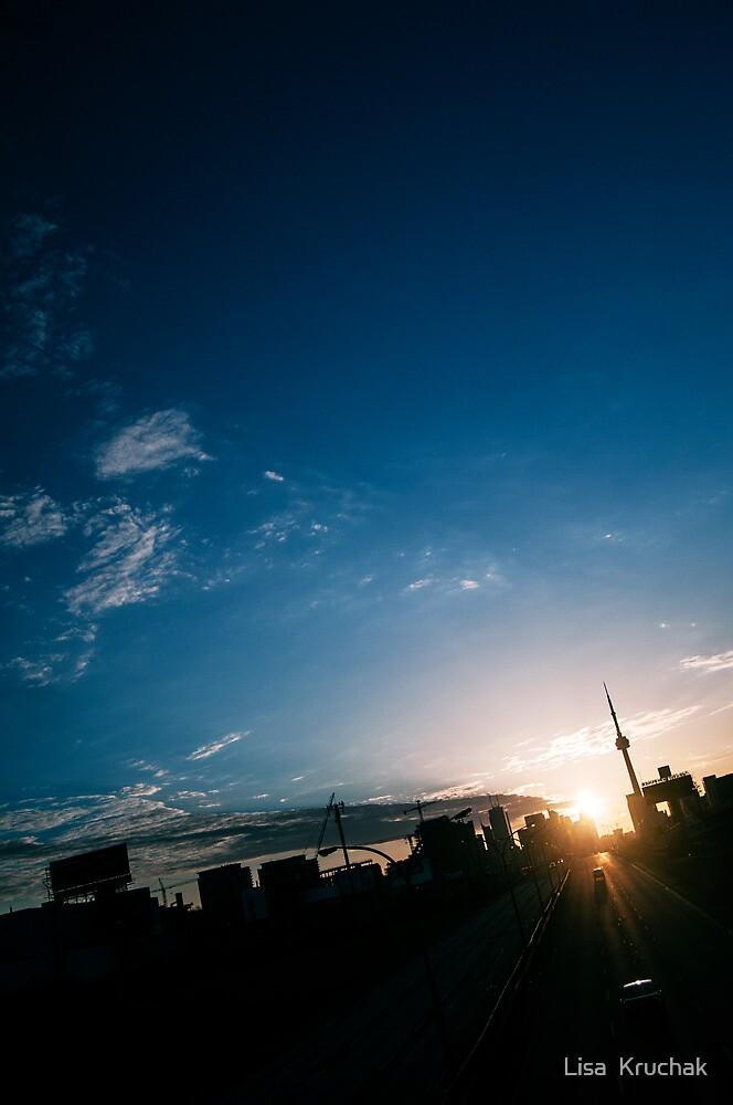 Toronto Sunrise by Lisa  Kruchak