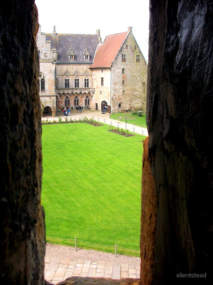 Where The Knights Used to Peep by silentstead