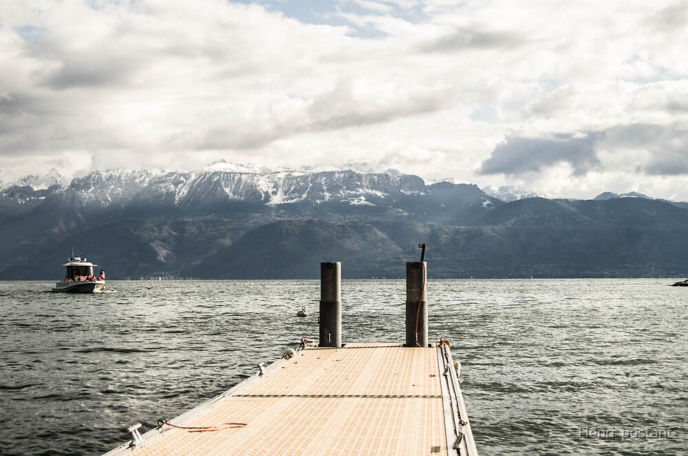 boat on the Leman lake in Switzerland by hpostant