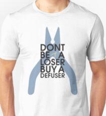 Counter strike Sei kein Verlierer, kauf einen Defuser Slim Fit T-Shirt