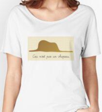 Ceci n'est pas un chapeau Women's Relaxed Fit T-Shirt
