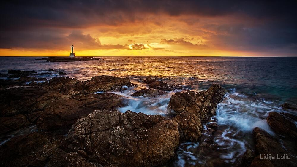 Horizon on fire by Lidija Lolic