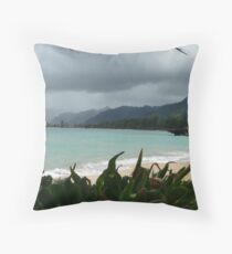 Oahu showers Throw Pillow