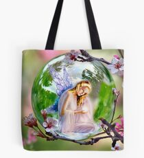 Hidden in the Branches ! Tote Bag