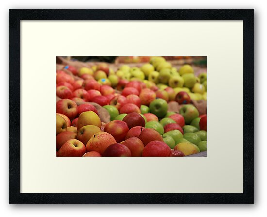 Apples by Paul Boyle