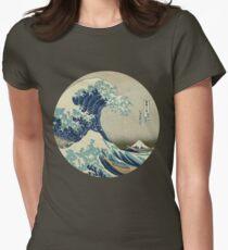 Great Wave off Kanagawa circle Womens Fitted T-Shirt