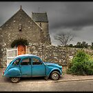 2CV car by Michaël Tardif