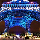 Eiffel Tower light show by Colin White