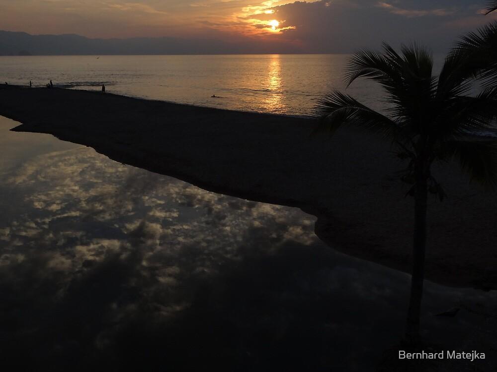 Romantic Evening Ambiance - Ambiente Romantico En La Nochecita by Bernhard Matejka