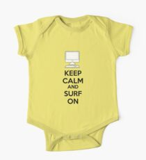 Keep calm and surf on One Piece - Short Sleeve
